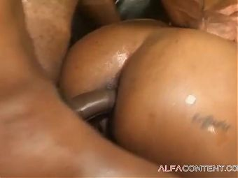 Hot black cunts in threesome anal action